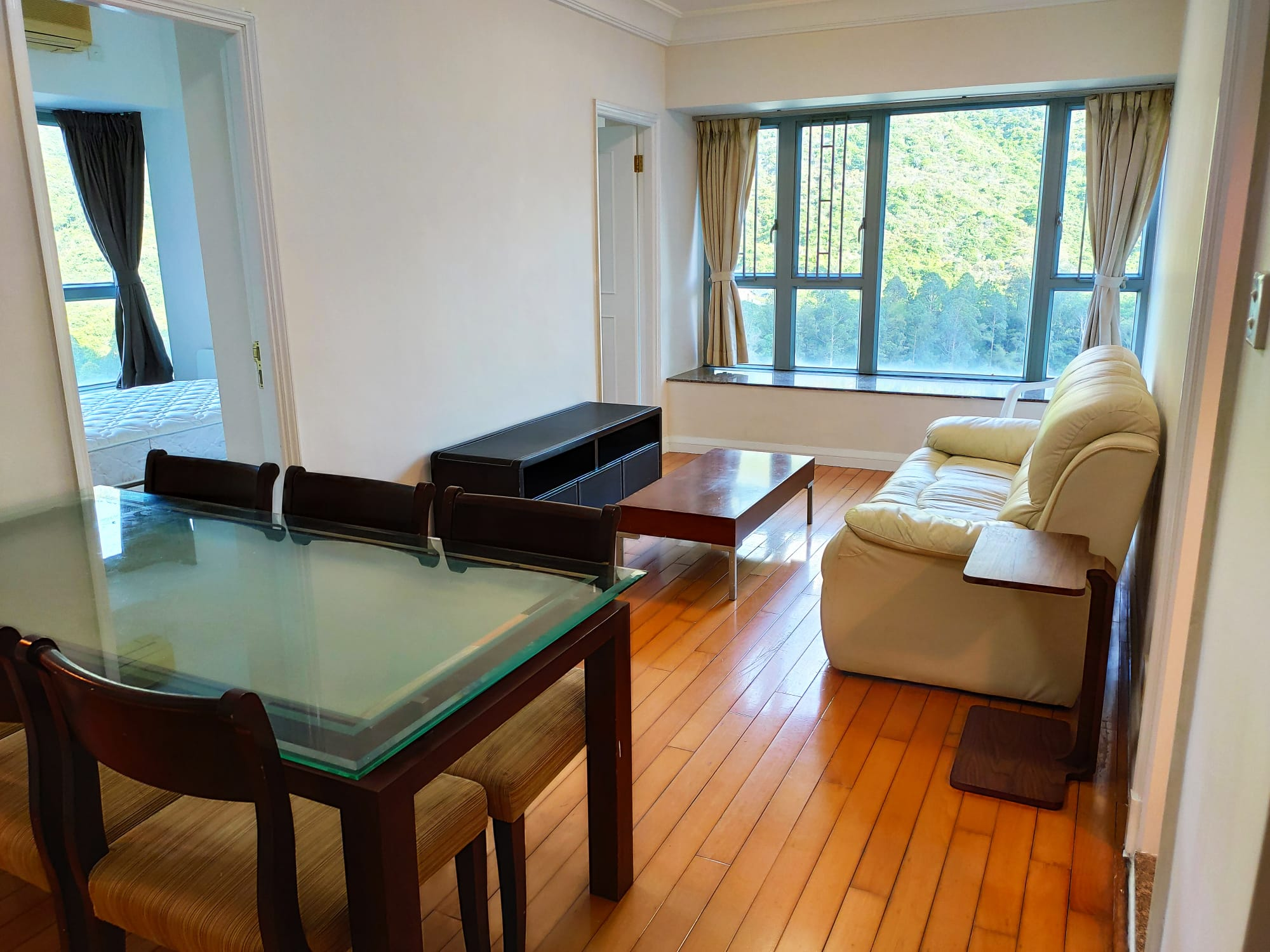 Yingwan Tower 2, Room E, four positive, beautiful, green, mountain view, high-end clubhouse, own shopping mall, pick up